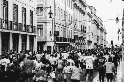 Kviečiame į bėgimą  (nebėgantiems – ėjimą)